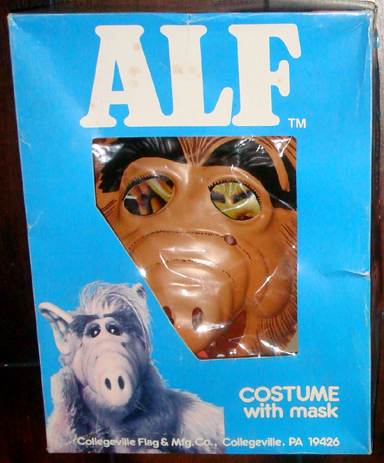 what is going on with those fiery eyes - Alf Halloween Episode